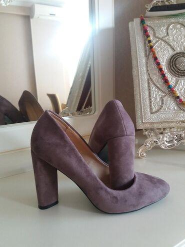 Женская обувь в Азербайджан: 15Azn satiram 1defe geyinilib yenidir