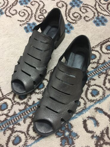 Продаю  Удобная обувь на лето  Одевали 1 раз Размер не подошёл  По