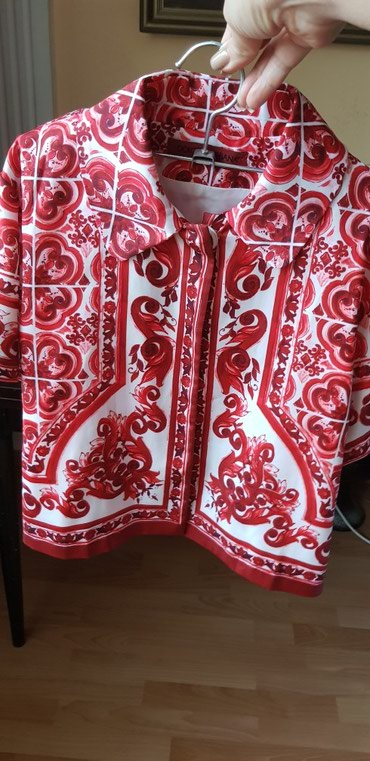 Продаю шелковый костюм на 8-10 лет, в в Бишкек
