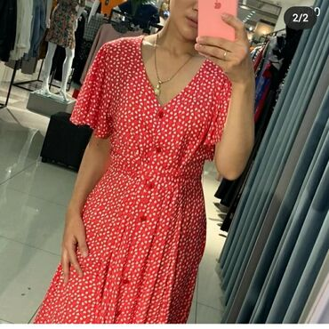 Платья в Чолпон-Ата: Платье новое производство Турция. Новая с этикеткой. Красного цвета