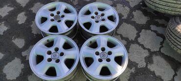 купить диски на 15 бу в Кыргызстан: Диски ToyotaДиаметр R15Сверловка 5*114.3Ширина 6.5j et45Диски без