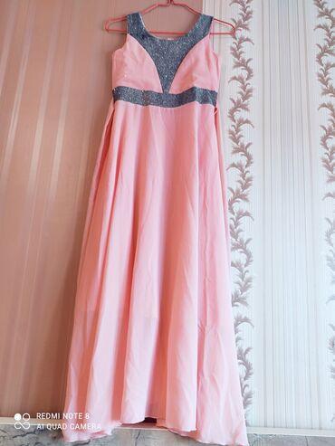 Розовое платье на 10-13 лет, размер написан 36. Одели один раз на