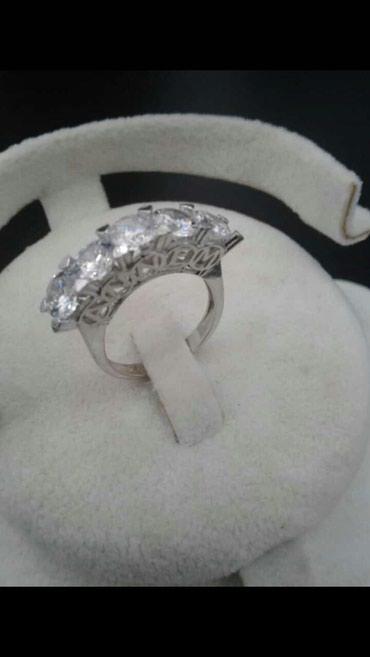 Xırdalan şəhərində 5 qaş gümüş üzük əldə olur çatdırılma metrolarda