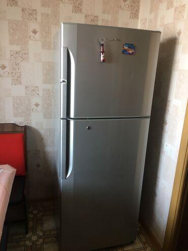 Б/у Двухкамерный Серебристый холодильник Hitachi