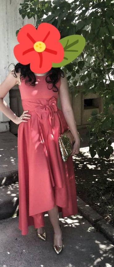 Продаю платье б/у (сшила на заказ), размер 42-44. Цена 600 сом в Бишкек