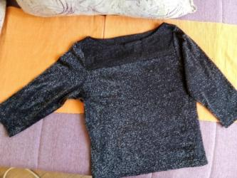 Duzina rukavispod - Srbija: Srebrnkasta bluza, M velicine, duzina rukava 39 cn, duzina 45cm