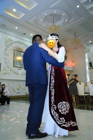 жилет национальный в Кыргызстан: Продаю накидку в национальном стиле королевский бархат, сшила по индив