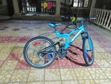 velosiped satisi gence - Azərbaycan: Salam bu velosipedi dubaydan getizdirmisem 350 dollara dağ velosiped