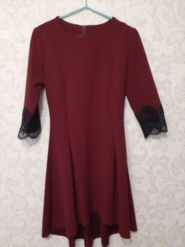 Платье для девочки 9-11 лет.сзади подол длиннее,на рукавах гипюр