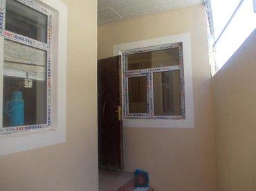 Bakı şəhərində Bineqedi Qesebesinde .Yeni temirden cixmis 2 OTaqli ferdi yasayis evi