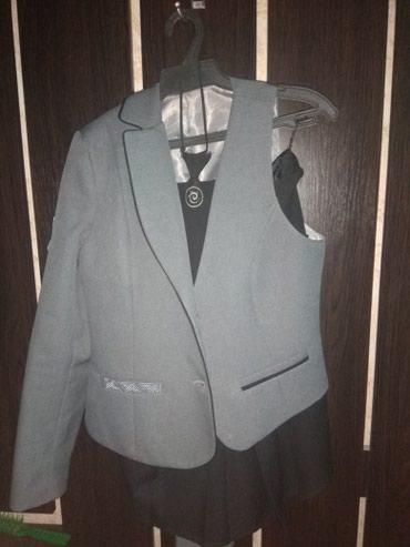 Продаю школьную форму Дешево размер 46(жен) Новая в Бишкек