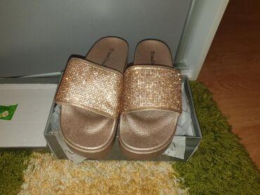 | Kostolac: Nove papuce 38 broj