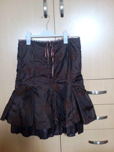 Braon - Srbija: P. S. suknja sa vezomBraon P. S. suknja, nošena jednom