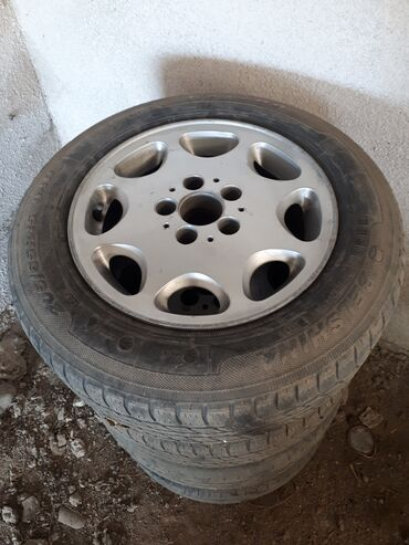 Транспорт - Кызыл-Суу: Мерс 124 ромашка оригинал цена 15000 размер 15.65.195