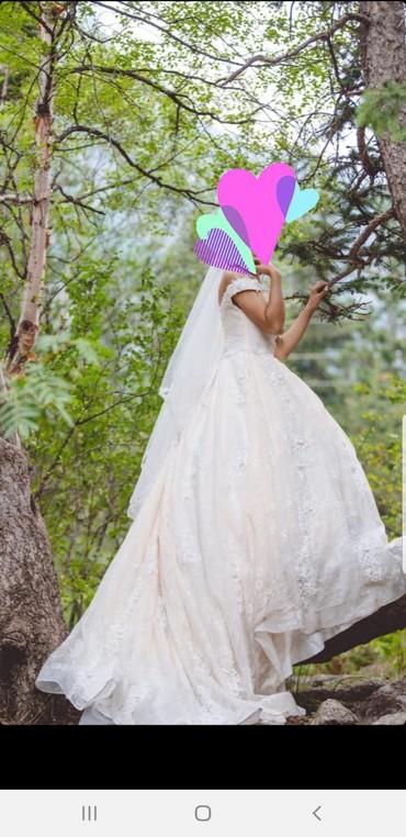 Свадебные платья - Кок-Ой: Сдаю на прокат свадебное платье. куплено за 40т, одето 2 раза. После