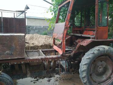 Грузовой и с/х транспорт в Базар-Коргон: Кирпичный станок с трактором продается работает отлично находится в