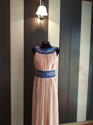 Вечернее платье  Одевала один раз, сделано вручную. Эксклюзивное Разме