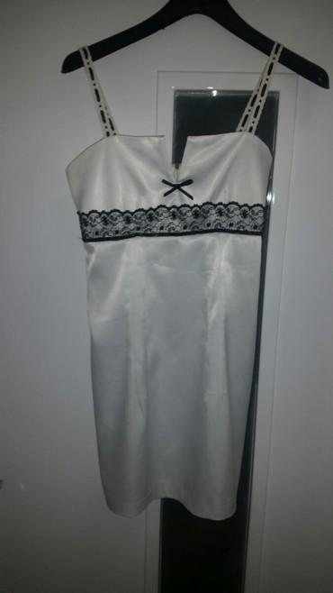 Od haljina cipke - Srbija: Haljina svecana od satena belog sa detaljima od cipke. Dobro ocuvana