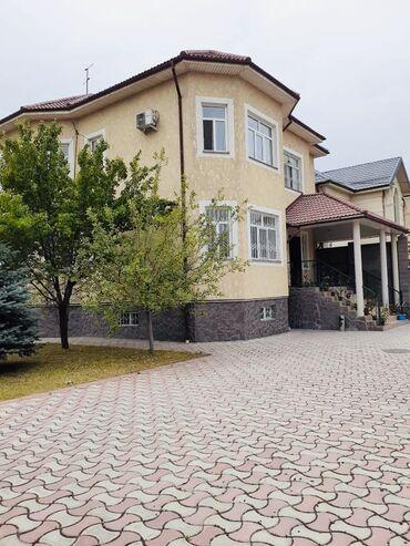 Продам Дом 330 кв. м, 7 комнат