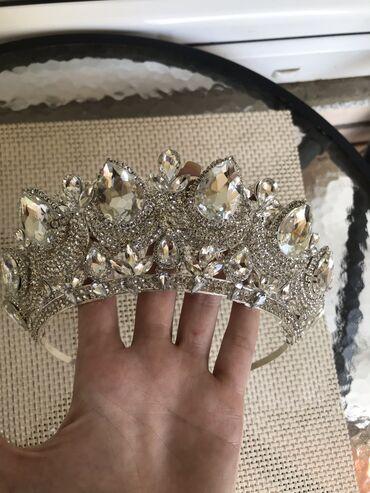 Jewellery Sets - Srbija: Krunica rucni rad,jako kvalitetna. Odlicna za vencanja,maturske veceri