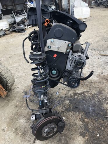 Двигатель с комплектом волксвагон поло в Бишкек