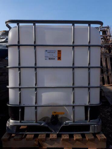 Rezervoari - Srbija: Cisterna od 1000 litara 100eIma gore otvor za tocenje i dole cesma i