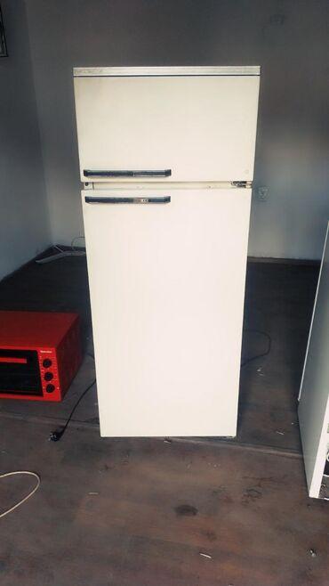 прием-холодильников в Кыргызстан: Продаю двухкамерный холодильник в хорошем состоянии рабочий гарантия