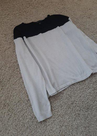 Mango bluza crno bela. Veličina S Puniji materijal sa elastinom. Ne