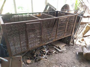 340 объявлений: Продаю металлические клетки для содержания кроликов, размерами 3*1
