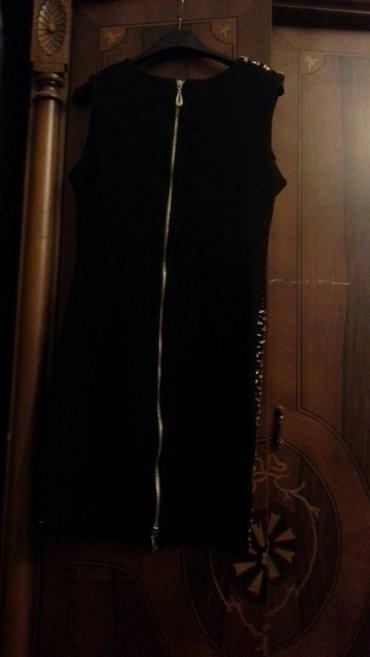 Xırdalan şəhərində Lady Sharmdan M-razmer paltar.Cox seliqelidir.Teze kimi.