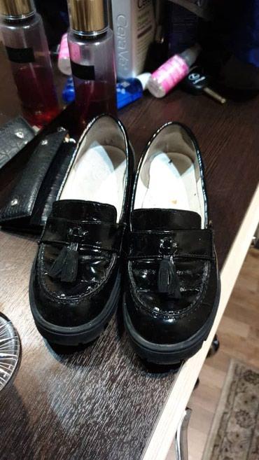 туфли черные 35 размера в Кыргызстан: Продаются турецкие туфли. 35 размера. Модные, удобные