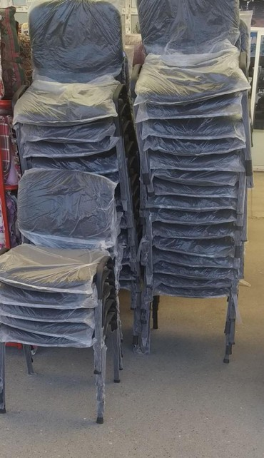 Xırdalan şəhərində Ofis stolu 26 azn odenis negd ve ya kocurme ile