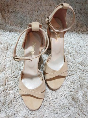 Krem stikle sandale prelepe i preudobne - Sivac