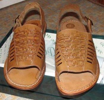 Мужские босоножки кож- (размер 43,брали за 230$), кожаная подошва