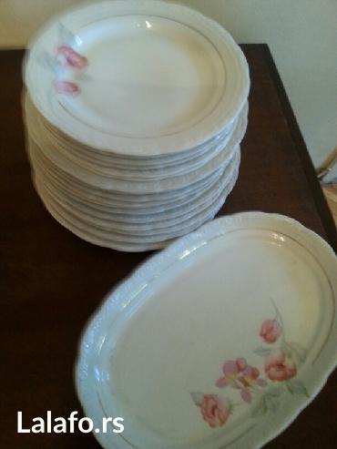 Prodaje se porcelanski servis tanjira sa velikim ovalnim tanjirom-novo - Crvenka