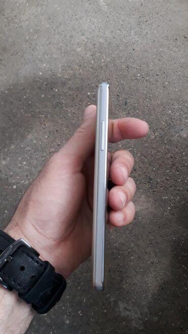 Samsung d780 - Azərbaycan: İşlənmiş Samsung D780 Duos Gold Edition 8 GB qızılı