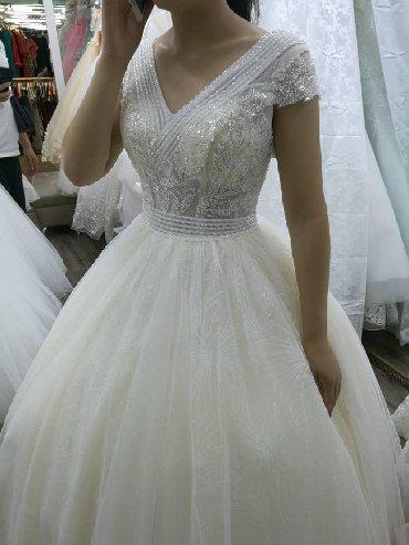 Свадебные фужеры - Кыргызстан: Продаю своё свадебное платье . Либо на прокат. Новое . В хорошем