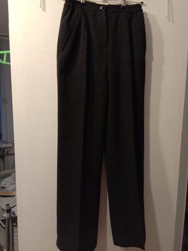 """женские брюки классика в Кыргызстан: Продаю женские брюки """"классика"""" .С прорезными карманами. За счет"""