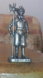 Figurica lepa i očuvana za kolekcionare. Vredi i na njoj ima kod i - Smederevo