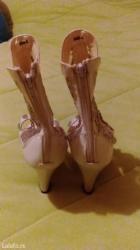 Novo... Sandala-čizmice bele boje za leto, sa puno detalja i ukrasa, - Vrnjacka Banja