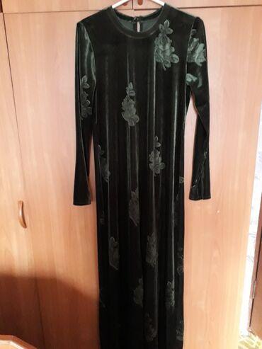 Продаю платье в отличном состояниираз 48-50 сшыто на заказ !