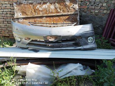 Эстима - Кыргызстан: Продаю бампер с противотуманиками на Тойота Эстима рестайл
