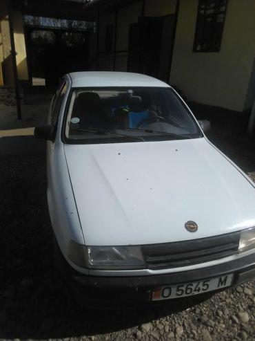 Opel Vectra 1990 в Кара-Суу