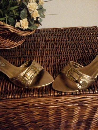 Papuce tri puta nosene u odlicnom stanju, kozne, br 39. Boja kao na - Crvenka
