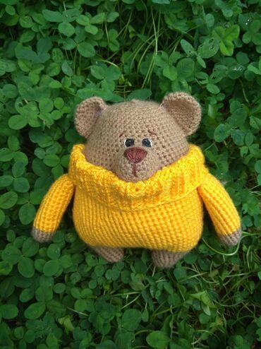 Игрушки - Бишкек: Вязаный мишка в свитере. На заказ вяжется в течение 2-5 дней. Цена