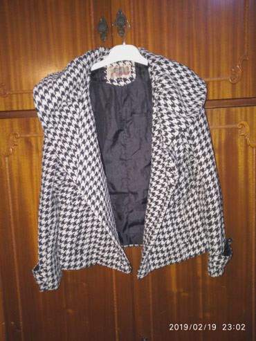 Женская одежда в Сокулук: Полу пальто, в идеальном состоянии