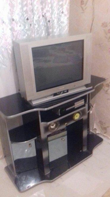 Gəncə şəhərində Televizor və altliqi satilir. Tek-tek de satılır, ikiside bir yerde de