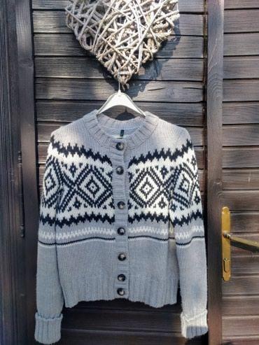 Benetton zimski džemper S-M veličine. - Palic