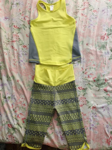 odezhda carters i oshkosh в Кыргызстан: Майка и лосины капри фирмы OshKosh, носили пару раз на гимнастику