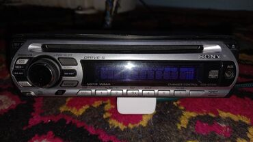 Электроника - Кызыл-Кия: Магнитофон Sony CDX-GT310Оригинал Б/У полностью в рабочем состоянии